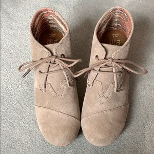 Toms wedges casual shoe! NEW!!!